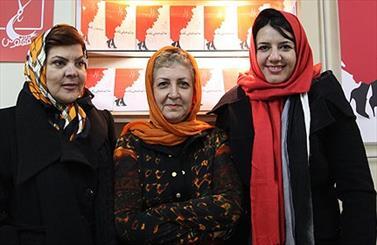 نگارش رمان مشترک سه زن نویسنده با دو نویسنده به پایان رسید/ علت جدایی رونقی