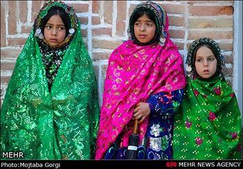 نمایشگاه لباس های بومی و سنتی خراسان جنوبی گشایش یافت