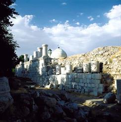 معبد آناهیتا دومين بناي سنگي ايران