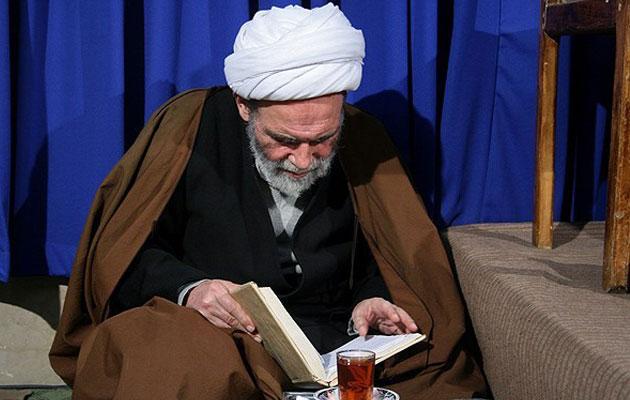 حاج آقا مجتبی تهرانی مردی کم نظیر و جامع صفات اخلاقی