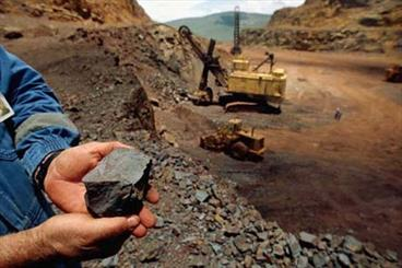 Iran execrats 470mn tons of minerals in a year: industry min.