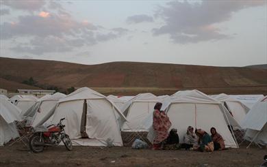 بیم مردم کاکی از زلزله های مستمر/ استاندار بوشهر: اهالی نیاز به چادر ندارند