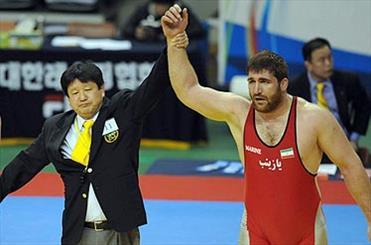 پرویز هادی با دومین پیروزی به نیمه نهایی رفت