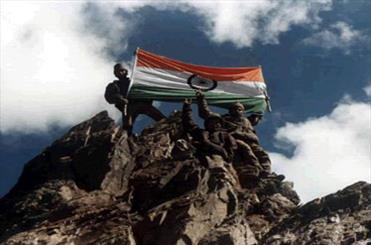 ہندوستانی اور پاکستانی فوجوں کے درمیان  پونچھ سیکٹر میں فائرنگ کا تبادلہ