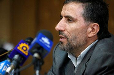 علی احمدی برای نامزدی در انتخابات به وزارت كشور رفت