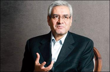 ابراهیم اصغرزاده برای ثبت نام در انتخابات به وزارت کشور آمد
