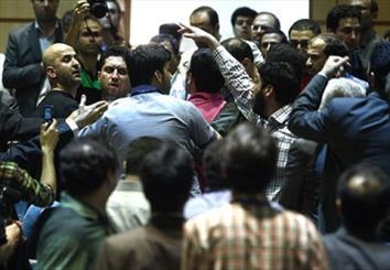 درگیری هواداران مشایی و قدیری ابیانه در ستاد انتخابات