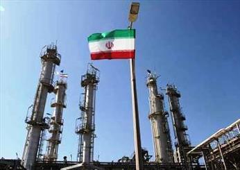 قرارداد فاز دوم توسعه میدان نفتی منصوری در اهواز امضا شد