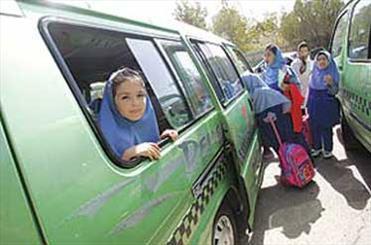 مسوولان آموزش و پرورش ادعای پلیس راهور تهران را تایید نکردند/ خودروی حادثه دیده مجوز سرویس مدرسه داشته است