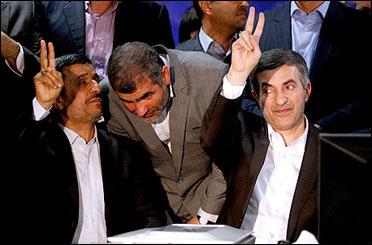 دفتر رئیس جمهور: اقدام احمدینژاد در جریان ثبت نام مشایی دخالت در انتخابات نیست