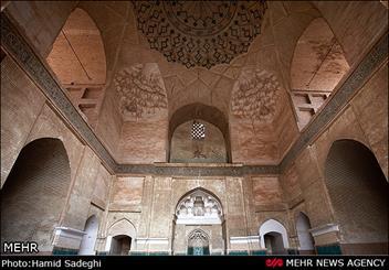 شهیدان درس شهادت را از مساجد آموختهاند/ مسجد کانون گسترش فرهنگ پویای شهادت