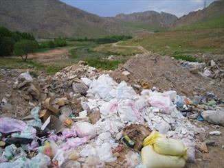 """رودخانه"""" گرگک"""" در محاصره زباله ها/  زندگی زیستمندان رودخانه در خطر"""