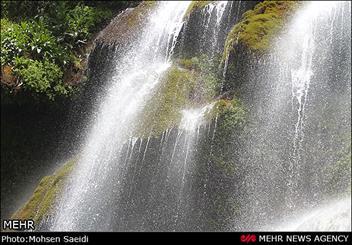 سفر به مرتفعترین آبشار لرستان/ خروش «نوژیان» در بالای قله تاف