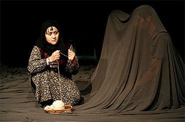عاشقانهای کردی در تئاتر شهر/ روایت دهکدهای که روییدن گل سرخ در آن ممنوع است