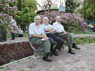 مسئولان از منابعي كه در همدان وقف سالمندان شده، استفاده نمي كنند