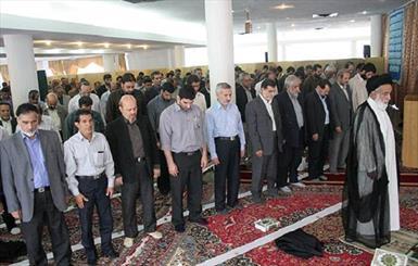 تمام برنامه های مساجد با محوریت امام جماعت است