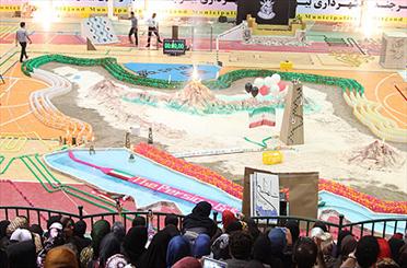 اجرای بزرگترین دومینوی فجر انقلاب اسلامی در دانشگاه بیرجند