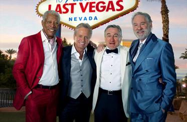 4 ستاره هالیوود در یک فیلم/ پیرمرد آخرین روز مجردیش را جشن میگیرد