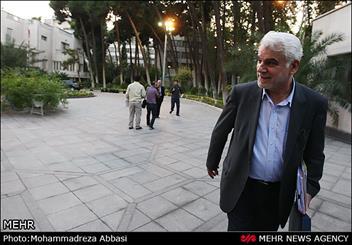 بهمنی مشاور عالی ستاد اجرایی فرمان حضرت امام (ره) شد