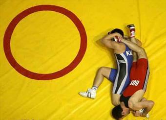 پای کشتی از تشک المپیک خارج نشد/ امیدهای ایران برای مدال آوری زنده ماند
