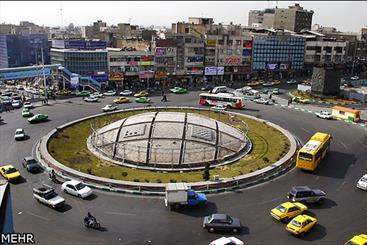 عاقبت نامشخص نماد حجمی میدان انقلاب/ حوزه هنری منتظر اقدام شهرداری است