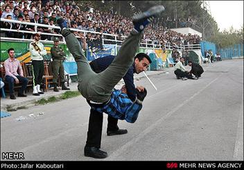 همایش بزرگ دفاع شخصی به مناسبت هفته نیروی انتظامی در مشهد