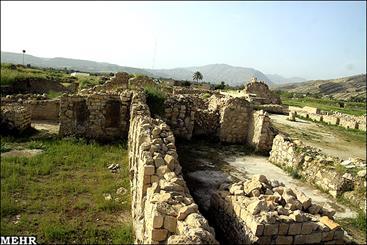 """شهر تاریخی """"بیشاپور"""" همچنان در انتظار ثبت جهانی/ وعده هایی که به تاریخ پیوست"""