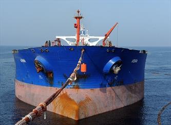 برنامه ایران برای کاهش ذخیرهسازی نفت بر روی آب