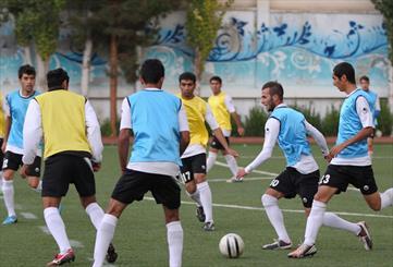 پایان شایعات در مورد تیمهای شهرداری و ماشینسازی تبریز/ سبزها دسته دومی ماندند