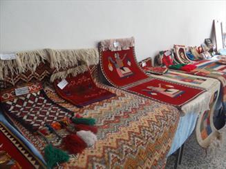 جشنواره غذاهای سنتی و نمایشگاه گلیم در مرودشت برگزار شد