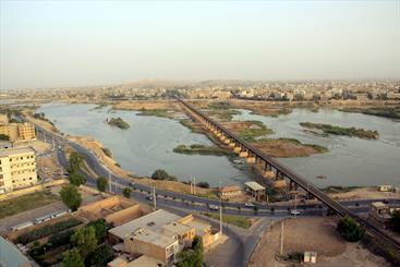 دومین تجمع برای نجات کارون/ هزاران خوزستانی در زنجیره انسانی حفاظت کارون شرکت کردند