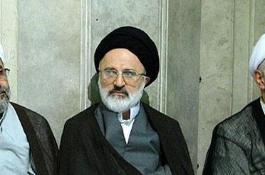 حجت الاسلام حجازی در منزل مرحوم عسگراولادی حضور یافت