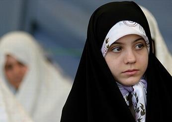 محتوای متون درسی  مدارس به تبیین واجب شرعی حجاب توجه جدی ندارد