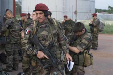 رئيس الوزراء الفرنسي: سنهزم داعش في سوريا والعراق