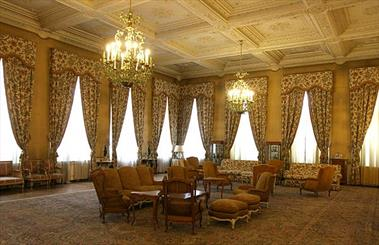 کاخهای سعدآباد و نیاوران در مالکیت سازمان میراث فرهنگی باقی می مانند