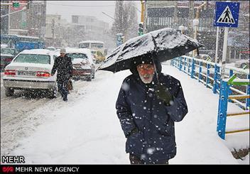 احتمال بارش برف طی امروز در قم/ سردتر شدن هوا از پنجشنبه