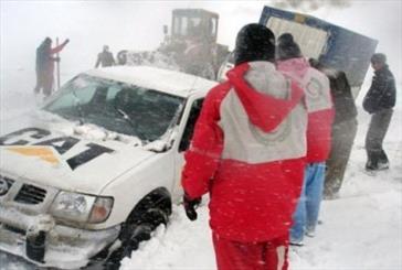 افزایش نیروهای امدادی هلال احمر تیران و کرون در طرح زمستانه