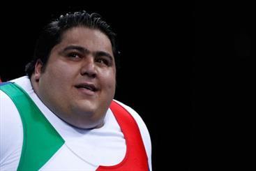 سیامند رحمان رکورد جهانی وزنهبرداری را ۹ کیلوگرم جابهجا کرد