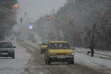 بارش اولین برف زمستانی در تهران/ کاهش دمای پایتخت