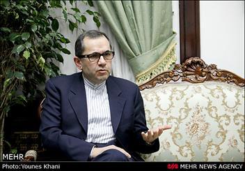 ظریف اوایل بهمن به داووس می رود/ سفر دورهای معاون وزیر خارجه به آمریکای لاتین/ کاردار غیر مقیم انگلیس به تهران میآید