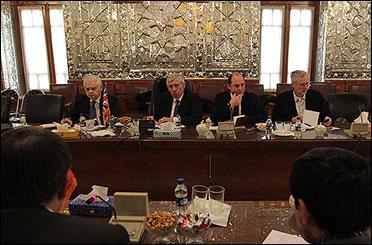 جک استراو: حق ایران در استفاده از انرژی هستهای انکار ناپذیر است/ تلاش برای بهبود مناسبات ایران و انگلیس