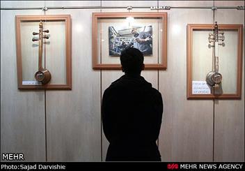 نمایشگاه عکس و کمانچه در لرستان