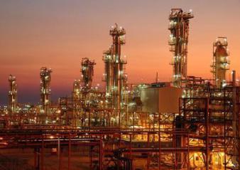 آغاز مذاکرات ایران با غولهای پتروشیمی/ انتقاد جدید ایران از سیاست نفتی آمریکا