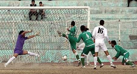تیم فوتبال پیام مشهد شهرداری اراک را متوقف کرد