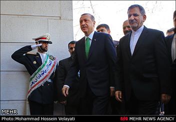 لغو سخنرانی اردوغان به دلیل فشردگی برنامه ها/ نخست وزیر ترکیه به دیدار رهبر انقلاب می رود