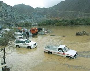سیل راه های ارتباطی مهرستان در جنوب سیستان و بلوچستان را قطع کرد