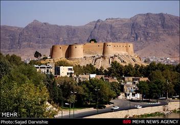 خرم آباد، سرزمین تاریخ و طبیعت/ برای دیدار با شاهکار معماری دنیا سفر کنیم