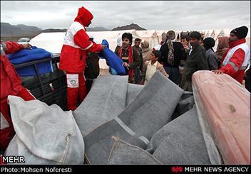 امدادرسانی به روستاهای سیل زده تایباد