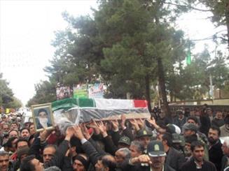 پیکر پدر شهید محمد رجبی در ورامین تشییع شد