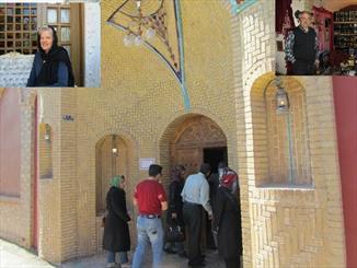 خانهای فرانسوی که فرهنگ ایرانی در آن موج میزند/ روایت خانگی یلدا، نوروز و حافظ در بادرود
